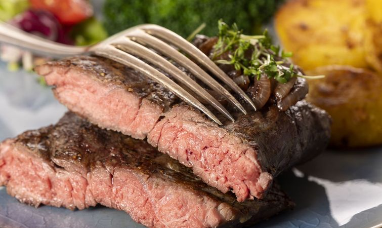 Zwiebel- Rostbraten vom Bull Beef